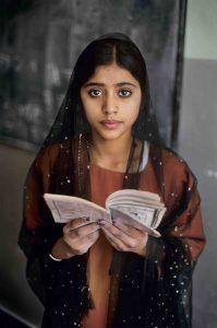 Leggere_Steve-McCurry_Afghanistan-199x300